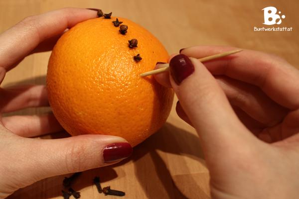 Orangen_Nelken_01