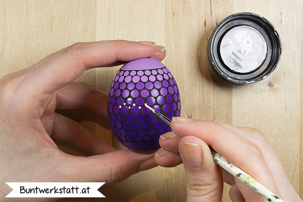 Anleitung - Ostereier malen mit Punkten